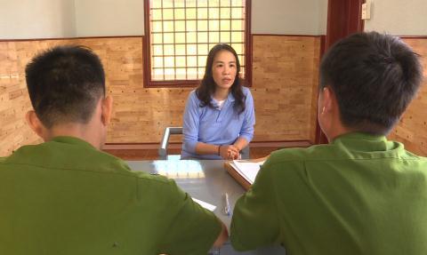Mao danh Cuc truong den chao Giam doc Cong an tinh