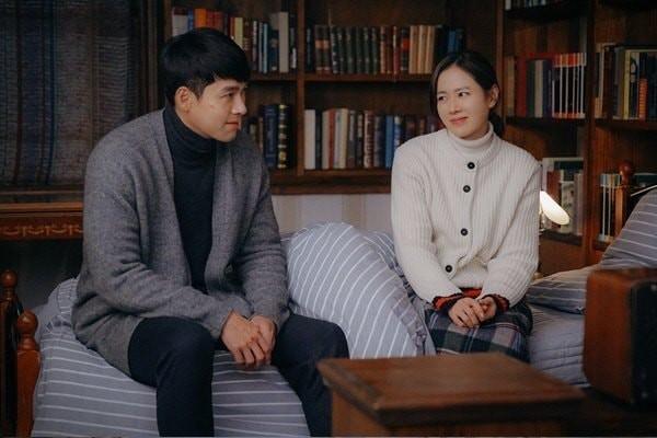"""He lo hau truong tinh tu cap doi Hyun Bin- Son Ye Jin trong """"Ha canh noi anh"""""""