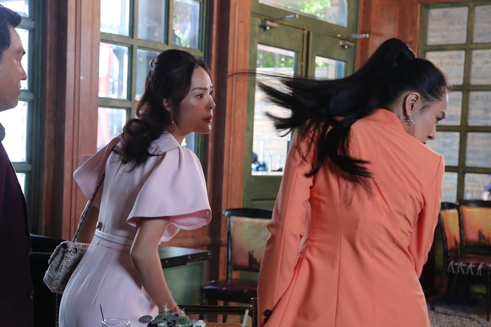 Tieu tam Ho Bich Tram an cu tat nho doi khi giat chong Duong Cam Lynh